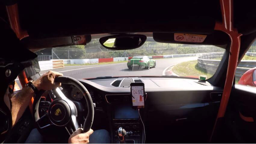 Porsche 991 GT3 RS vs Mercedes-AMG GT R