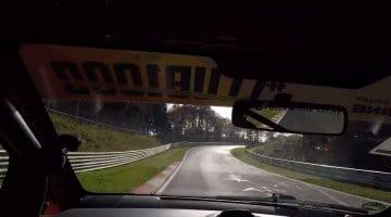 Met een 68 pk sterke Citroen C1 over de Nordschleife