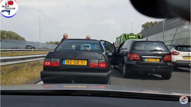 Dashcam-compilatie van de Nederlandse Wegen