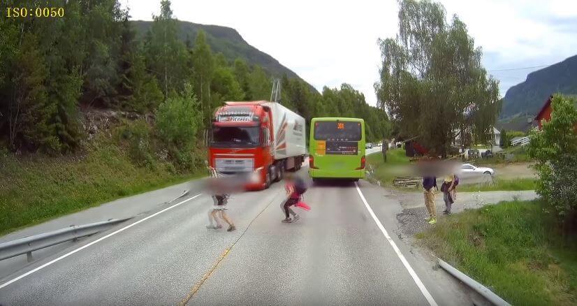 Volvo Trucks Emergency Braking redt het leven van dit kind