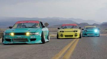 Nissan Silvia S13's driften op een verlaten vliegveld