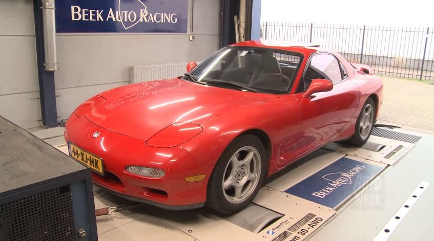 Op de rollenbank - Mazda RX-7