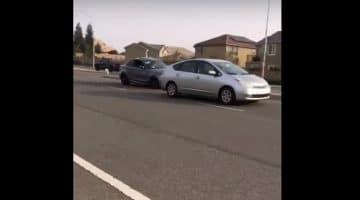 BMW knalt bovenop Toyota Prius