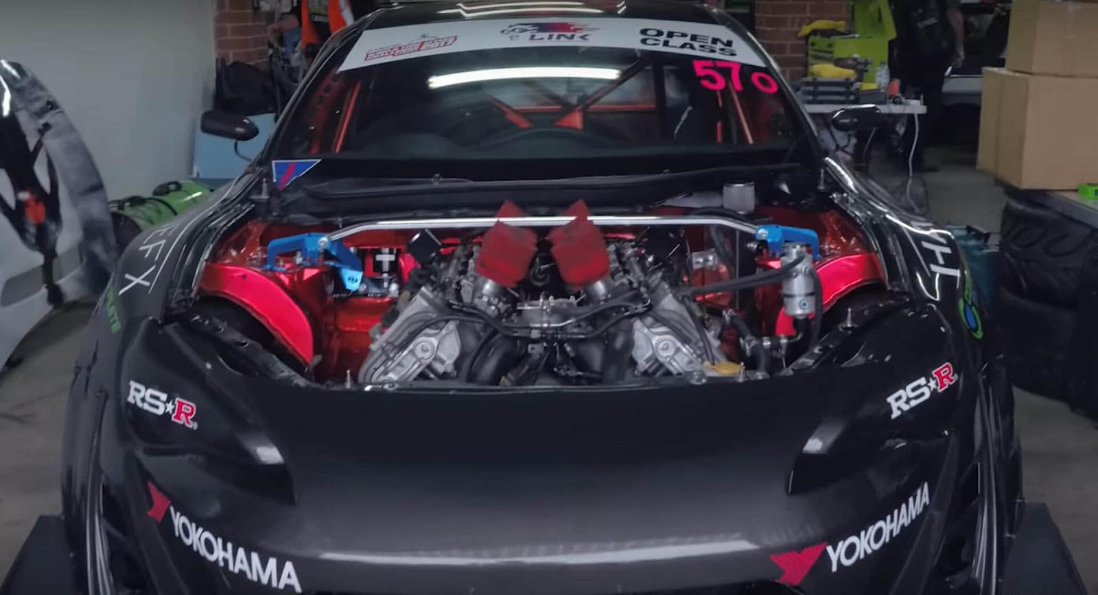 Toyota-86-BMW-V10