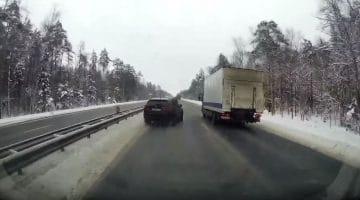 BMW X5M tikt vrachtwagen op zijn kant