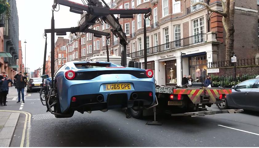Ferrari 458 Speciale Aperta in beslag genomen