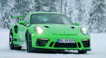Porsche 911 GT3 RS in de sneeuw