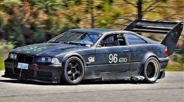 BMW E36 M3 heeft dikke achtervleugel