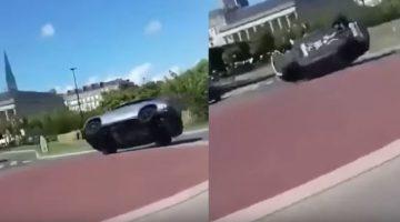 Mercedes-AMG GLE 63 rolt om op rotonde