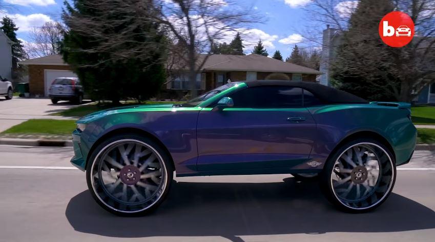 Chevrolet Camaro met 32-inch velgen