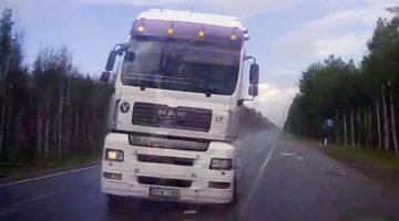 Vrachtwagen-met-klapband