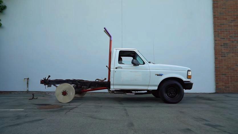 Burnout-met-houten-wielen