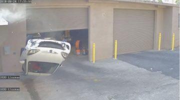 Mazda rolt van dak af
