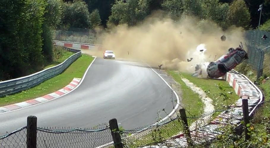 Porsche-911-GT3-Cup-Crash