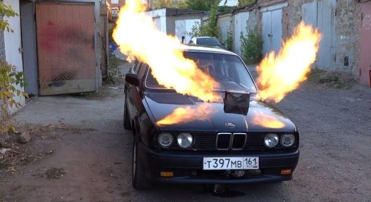 BMW E30 met MIG-23 straalmotor