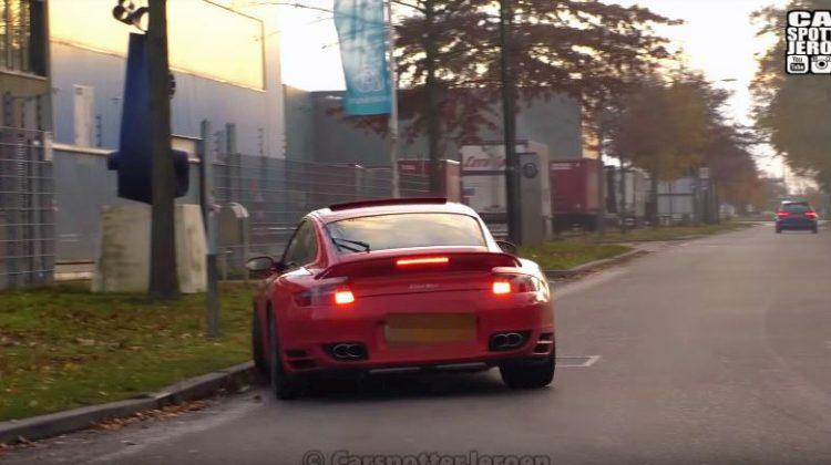 Porsche 911 turbo neemt stoeprandje mee