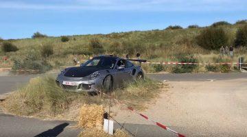 Porsche 991 GT3 RS hapt zand