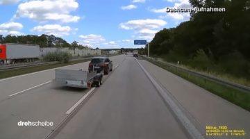 Aanhanger schiet los op autobahn