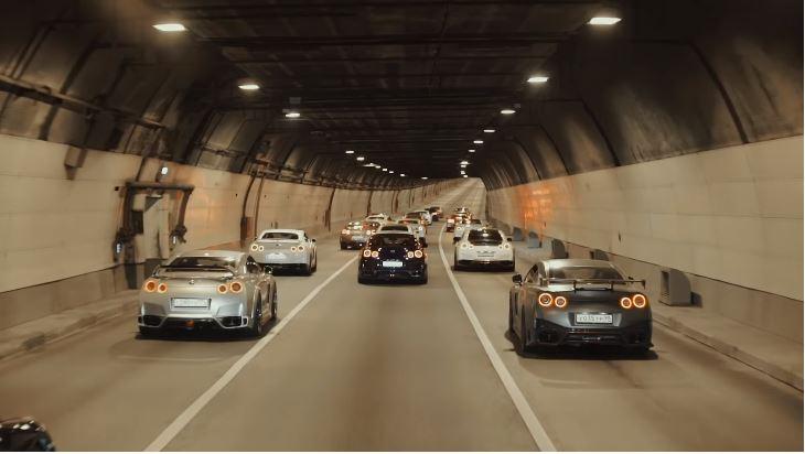 Godzilla Meeting in Moskou met 40 Nissan R35 GT-R's