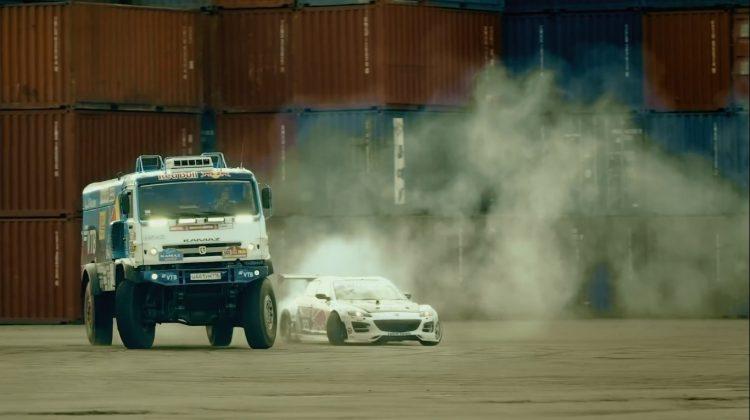 Kamaz Truck en Mazda RX-8 twin drift