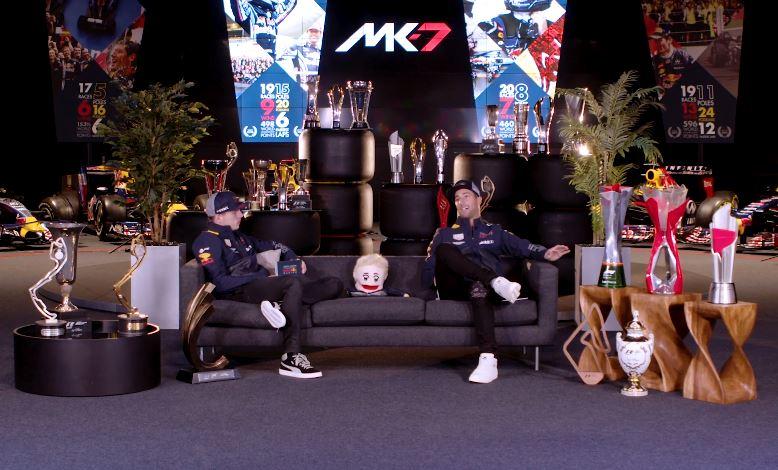 Max Verstappen en Daniel Ricciardo bespreken 2018
