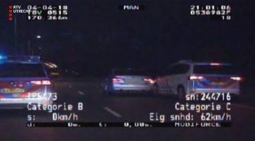 Politie probeert BMW 335i van de weg te beuken in Utrecht
