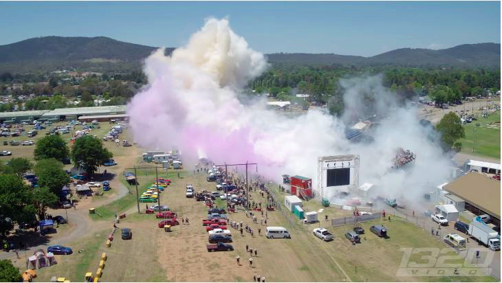Aussies-heroveren-Guinness-World-Record-Burnout