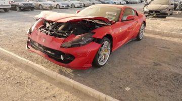 Autosloperij in Dubai staat vol met luxueuze auto's en supercars