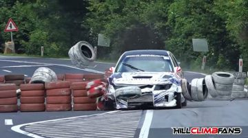 Chicane-crashes-in-hillclimb