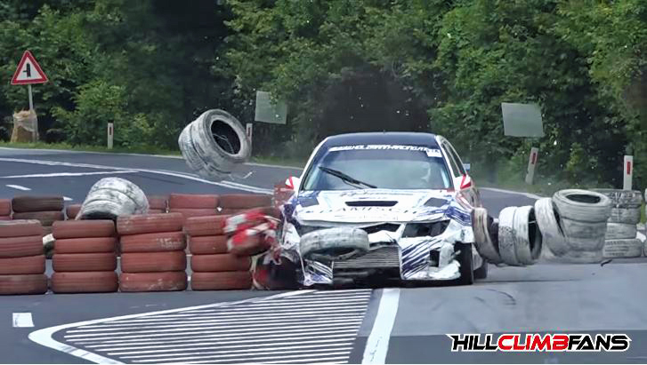 Chicane-crashes-in-hillclimb