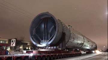 Mammoet vervoert enorme lading