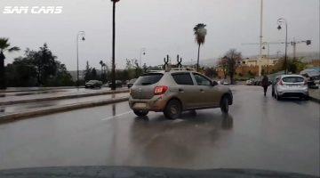 Dacia Sandero gaat dwars door Fès