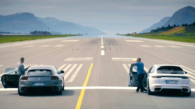 Ferrari GTC4Lusso vs Porsche Panamera Turbo Sport Turismo