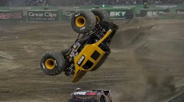 Monster Truck doet perfecte dubbele backflip