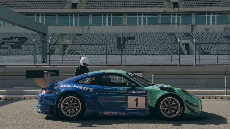 Richard Hammond test een Porsche 911 GT3 R