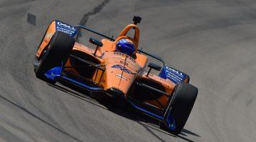 Fernando Alonso test nieuwe IndyCar op Texas Motor Speedway