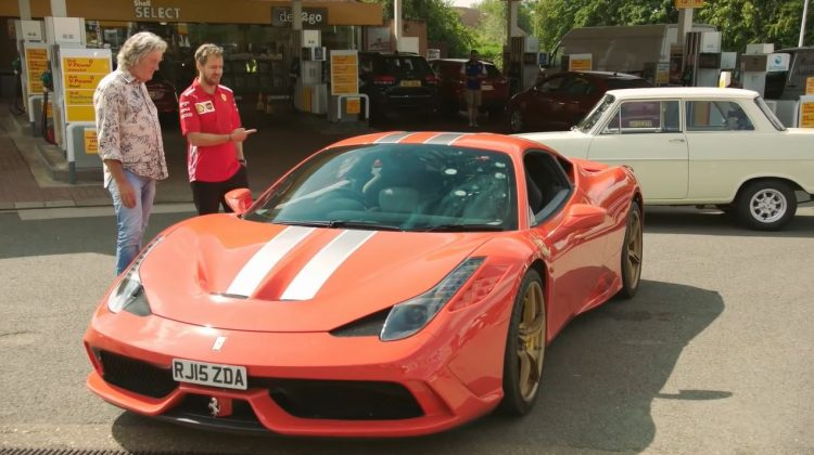 Hammond en May tonen hun favoriete auto aan Sebastian Vettel