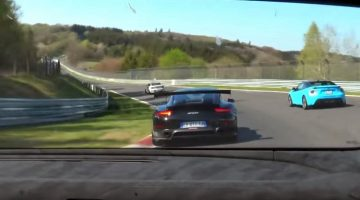 Huracán Performante vs 911 GT2 RS op de nordschleife