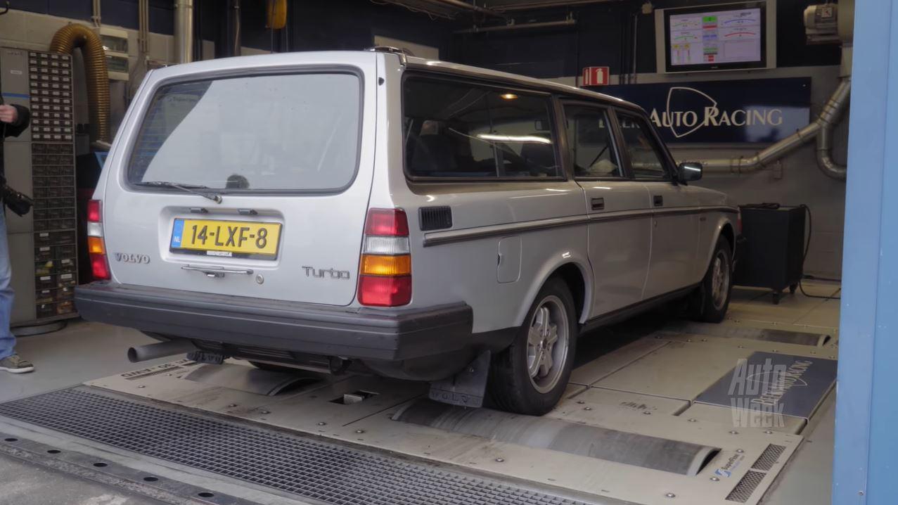 Op de Rollenbank - Volvo 240 Turbo Estate