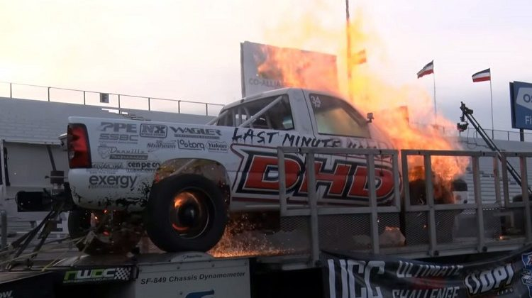 2.000 pk sterke dieselmotor ontploft op de rollenbank
