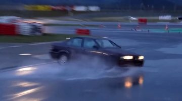 360 graden drift entry met BMW E36 325i