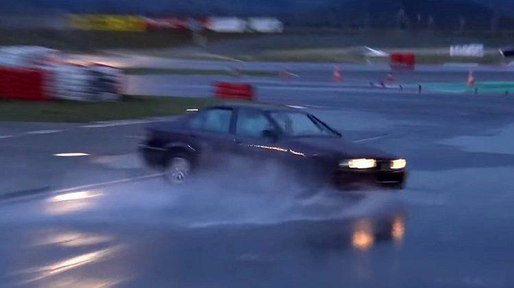 360 graden drift entry met BMW E36 325i