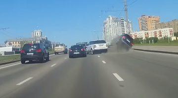 Range Rover Sport beukt Mercedes omver