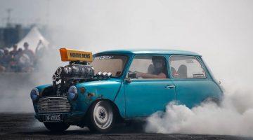 Mini Cooper Supercharged V8 Burnout
