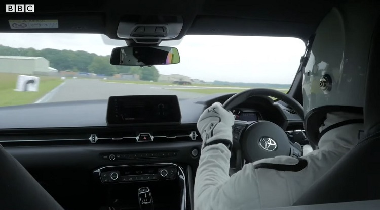 Onboard bij The Stig in de Toyota Supra