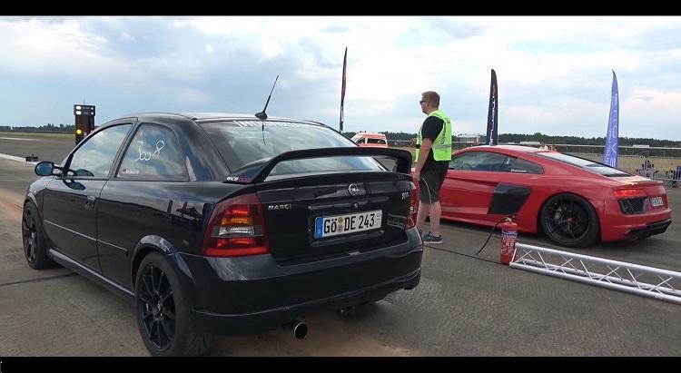582 pk Opel Astra racet tegen 680 pk Audi R8 V10 Biturbo