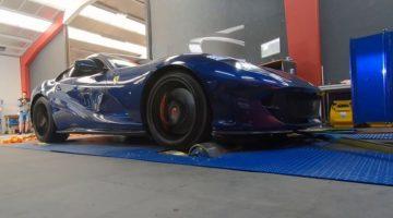 Ferrari 812 Superfast haalt 381 kmh op rollenbank