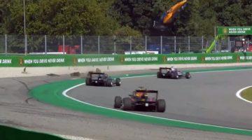 Formule 3-coureur Peroni's vliegt metershoog door Monza