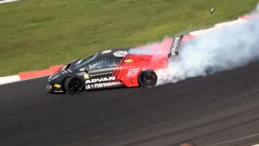 Lamborghini Murciélago drifting