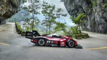 Volkswagen ID.R record run Tianmen Mountain